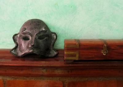 Máscara imitación de bronce